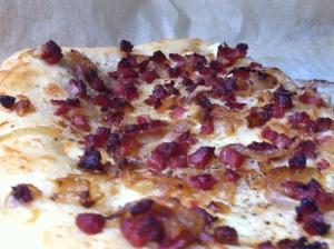 Auch für Flammkuchen eignet sich der Teig von perfekte-pizza.de